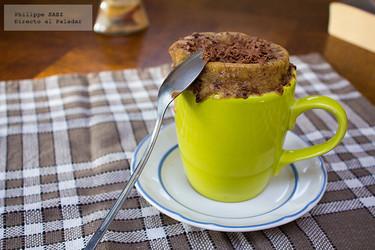 Pastel de chocolate en microondas. Receta para niños