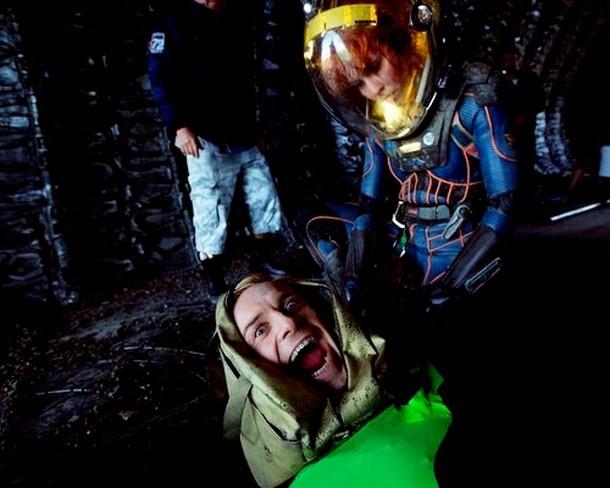 Noomi Rapace y Michael Fassbender en el rodaje de Prometheus