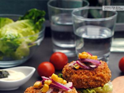 Hamburguesa especiada de garbanzo y feta. Receta sin gluten y apta para vegetarianos