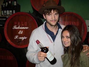 Ashton Kutcher y Mila Kunis: motos, flamenco y vinito en Jerez