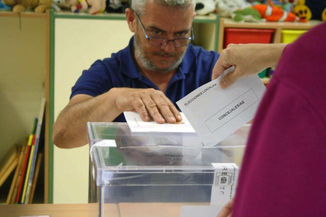 Votación en unas elecciones municipales en España