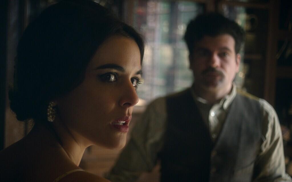 'Hache' es cancelada por Netflix: la serie española con Adriana Ugarte no tendrá temporada 3