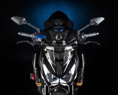 Lightech viste la Kawasaki Z800