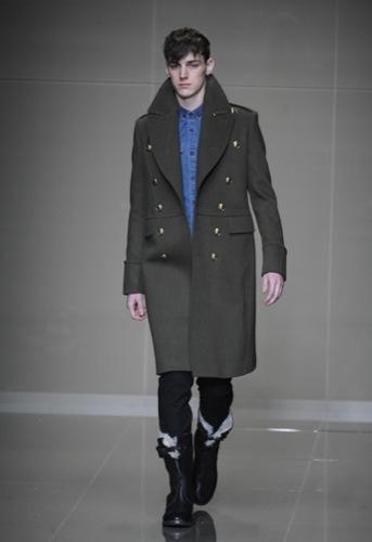 Burberry Prorsum, Otoño-Invierno 2010/2011 en la Semana de la Moda de Milán, abrigo