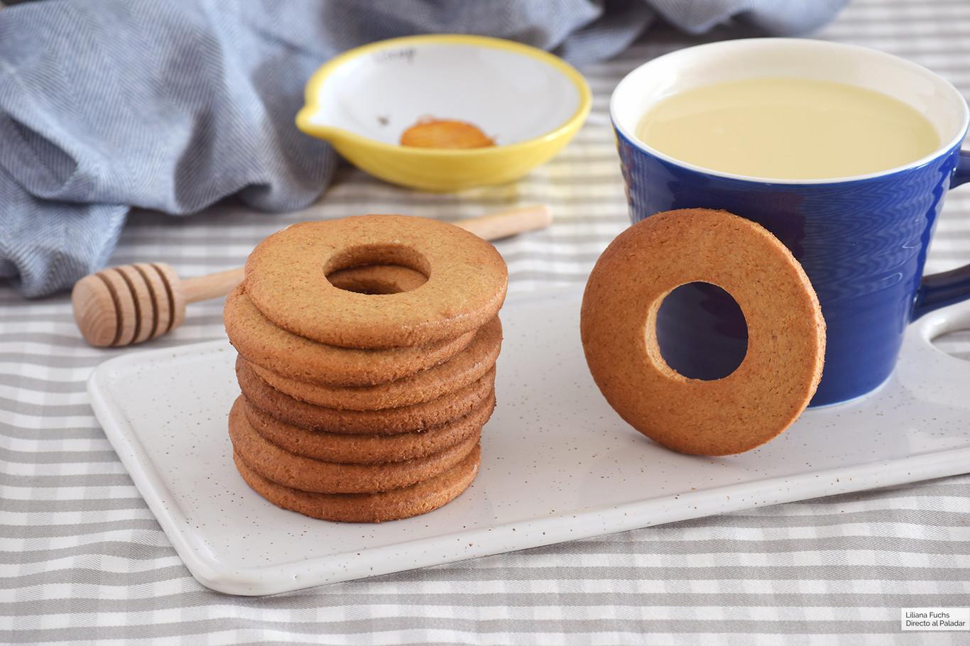 Rosquillas al horno de miel, espelta y avena para alegrar desayunos y meriendas