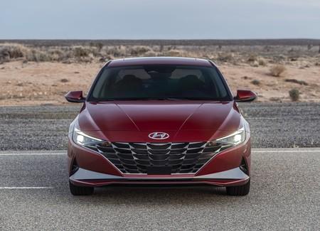 Hyundai Elantra 2021 1600