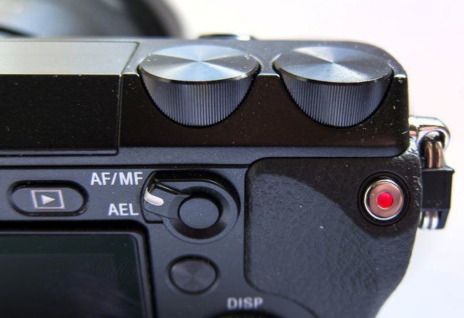 sony nex-7 detalle ruedas control