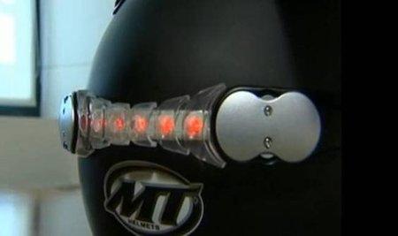La propuesta no de ley para la segunda luz de freno en el casco sigue adelante