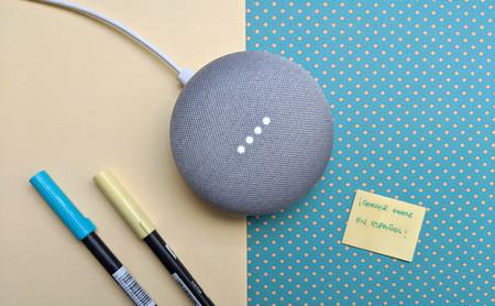 Google Home en español, primeras impresiones: así es hablar con el altavoz que tiene respuesta para (casi) todo