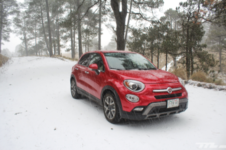 Probamos el FIAT 500X y sí, lo llevamos a divertirse en la nieve