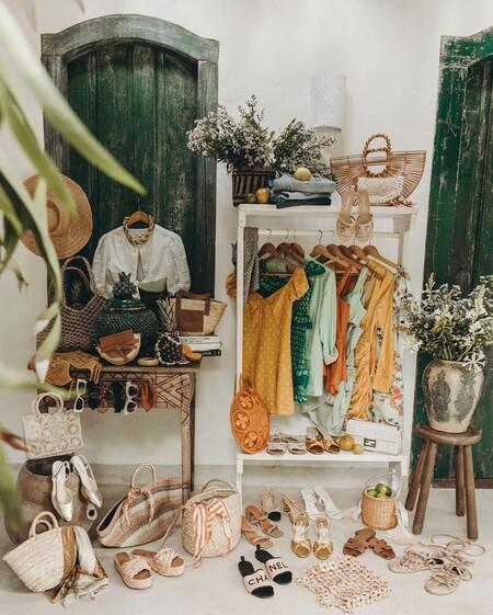 Siete compras ideales para transformar cualquier estancia de la casa en un vestidor sin gastar demasiado (y sin reformas)