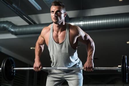 Guía completa sobre el remo: cómo mejorar en este ejercicio para trabajar tu espalda