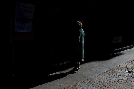 Hojas de contacto, mujeres vestidas de luz y más en Galaxia Xataka Foto