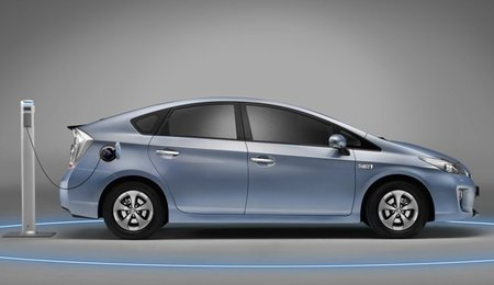 Toyota Prius Plug-in lateral