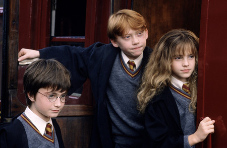 Harrypotter Wb F1 Harryronhermionehogwartsexpress Still 080615 Land