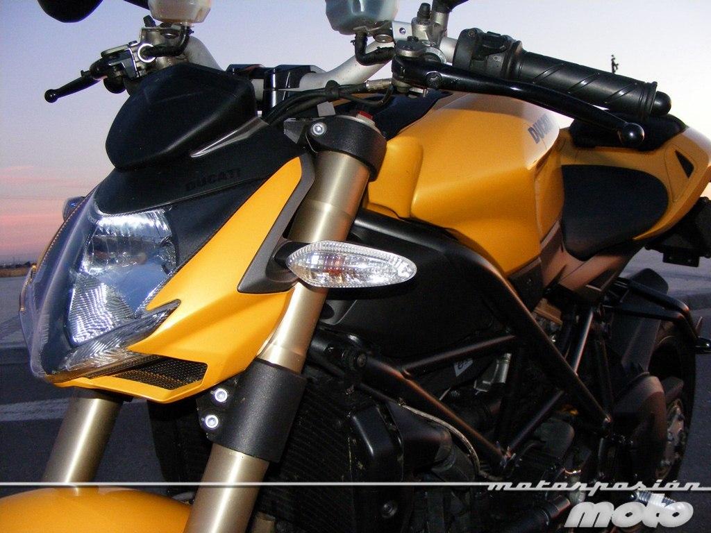 Foto de Ducati Streetfighter 848 (20/37)