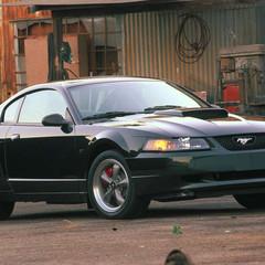 ford-mustang-bullitt-2001