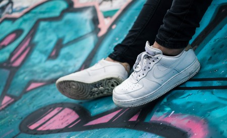 Tallas sueltas en zapatillas Nike a precio de locura: Jordan, Air Force 1 y Max 90 desde sólo 41 euros