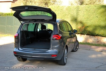 Opel Zafira Tourer 2.0 CDTI, prueba (equipamiento, versiones y seguridad)