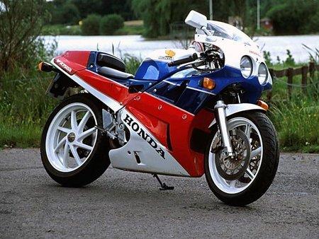 Honda RVF1000R, superdeportiva V4 para finales de 2011