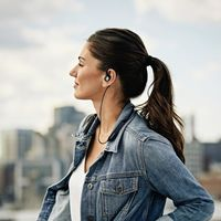 Sennheiser apunta a los más audiófilos con sus nuevos auriculares in-ear inalámbricos IE 80S BT