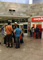 Indemnizados por overbooking y una larga espera en el aeropuerto
