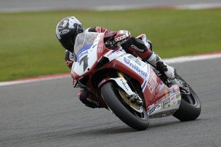 Superbikes Gran Bretaña 2011: Carlos Checa rubrica su cuarto doblete de la temporada