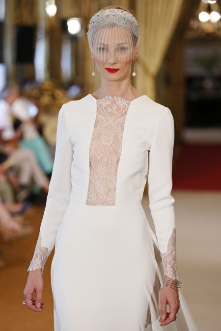 ba3046d8bfb La Alta Costura de las novias  vestidos exclusivos para las más exigentes