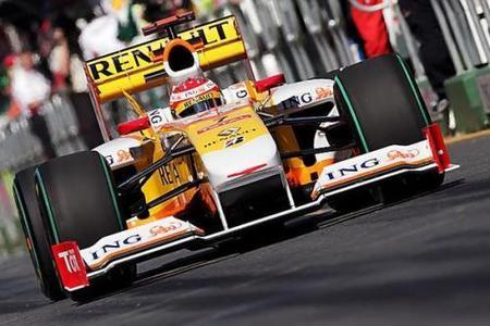 Fernando Alonso pide a Renault que siga trabajando en el R29