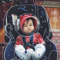 Puedes ser cualquier cosa: las 'aventuras' que crea un padre con las fotos de su hijo