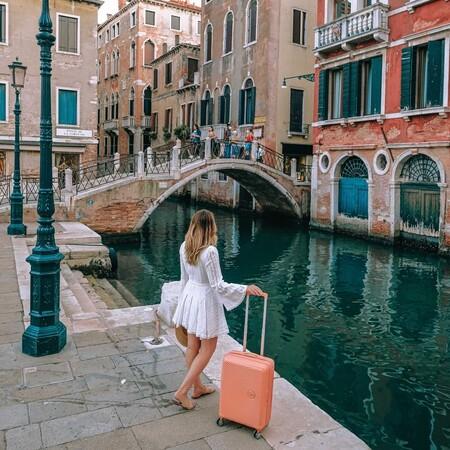 Estas maletas de viaje medianas son perfectas para llevar todo lo necesario en una semana de vacaciones este verano