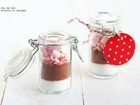Botecitos con mezcla de chocolate para regalar en Navidad