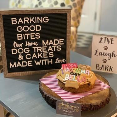 Nuestros perros se merecen el mejor cumpleaños: así puedes elaborar las recetas más seguras y originales de pasteles para ellos