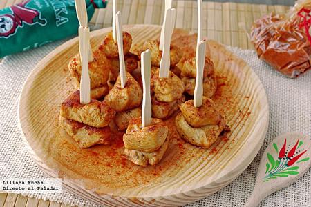 Pinchos de pollo al pimentón: receta de picoteo fácil para improsivar en un momento