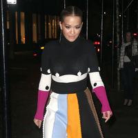 Rita Ora nos deja boquiabiertos con sus dos últimos looks ¿Lady o sexy?