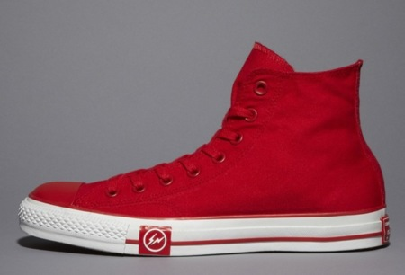Undefeated Fragment Converse Chuck Taylor en rojo brillate