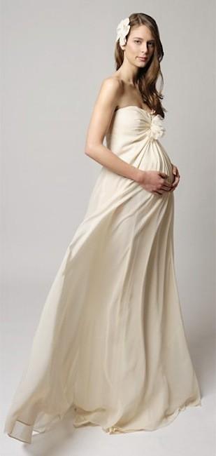 ca5e33af0 Vestidos de novia muy favorecedores para embarazadas