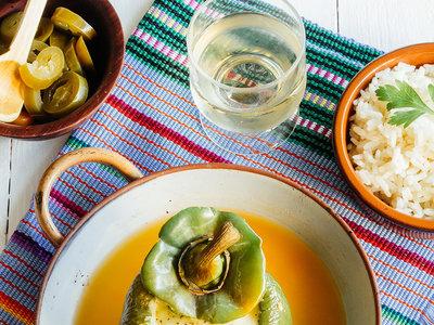 Pimientos rellenos de pollo con chile jalapeño. Receta sencilla