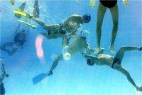Rugby subacuático, un deporte para potenciar la forma física