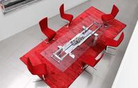 Astrolab, la mesa extensible de Roche Bobois con el mecanismo a la vista