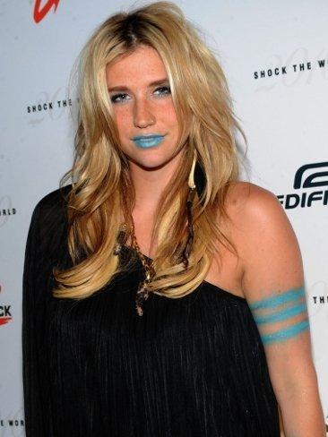 Maquillaje desastre: los labios azules de Ke$ha