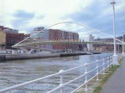 Zubizuri, ¿de Bilbao o de Calatrava?