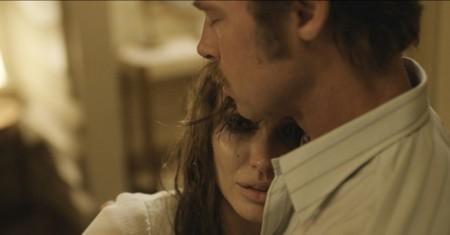 'Frente al mar', teaser tráiler y carteles de la nueva película de Angelina Jolie con Brad Pitt