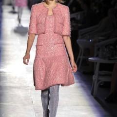 Foto 16 de 61 de la galería chanel-alta-costura-otono-invierno-2012-2013-rosa-gris-brillos-y-nuevo-vintage en Trendencias