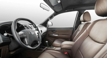 Vromos Toyota Hilux 6x6 2