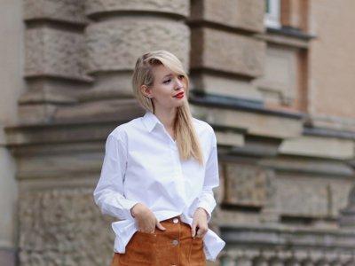 Cuatro ocasiones en las que la camisa blanca te soluciona el look