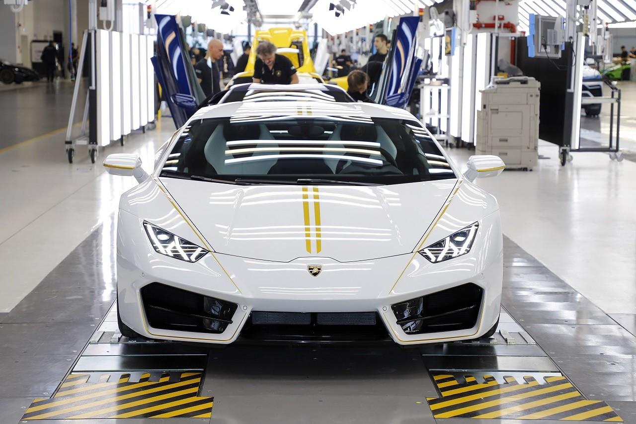 Foto de Lamborghini del Papa Francisco (11/16)