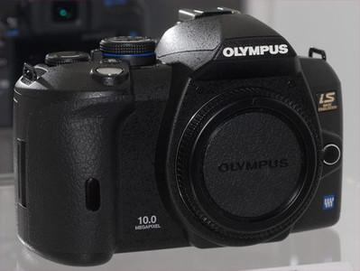 Olympus deja ver la posible E-520