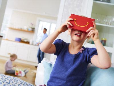 McDonald's convierte su 'cajita feliz' en unas gafas de realidad virtual