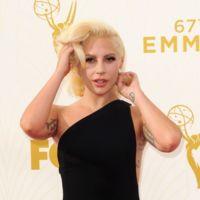La alfombra roja de los Emmys 2015: primero lo vimos todo muy oscuro